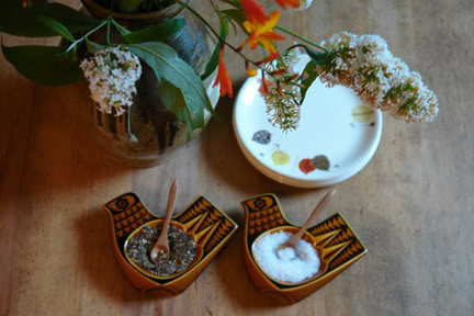 Pair of vintage John Clappison designed bird dishes being used as salt & pepper pinch pots   H is for Home