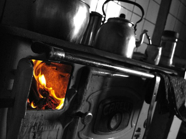 flames in a kitchen range