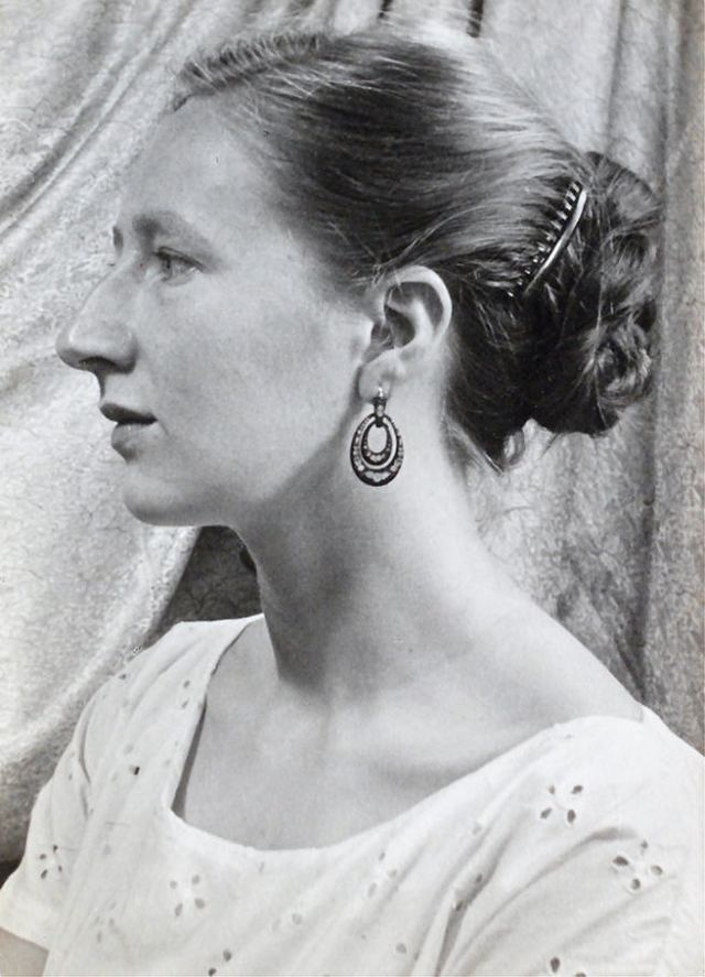 Portrait of Sheila Bownas