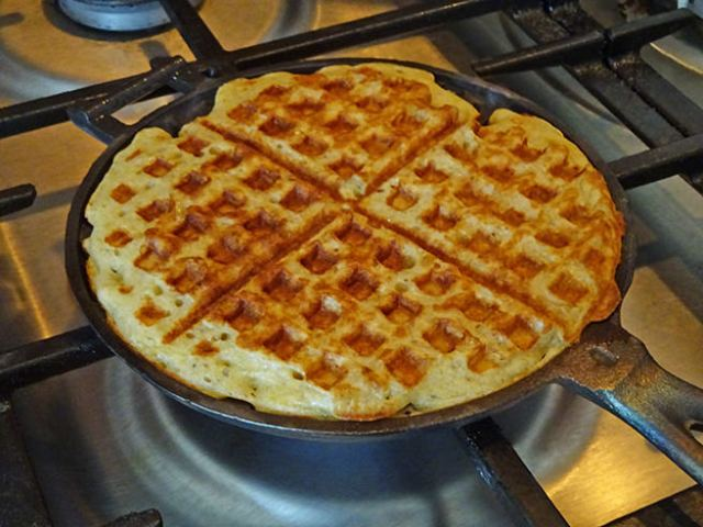 Cooking home-made sourdough waffles in an old-fashioned cast iron waffle iron | H is for Home #recipe #sourdough #cooking