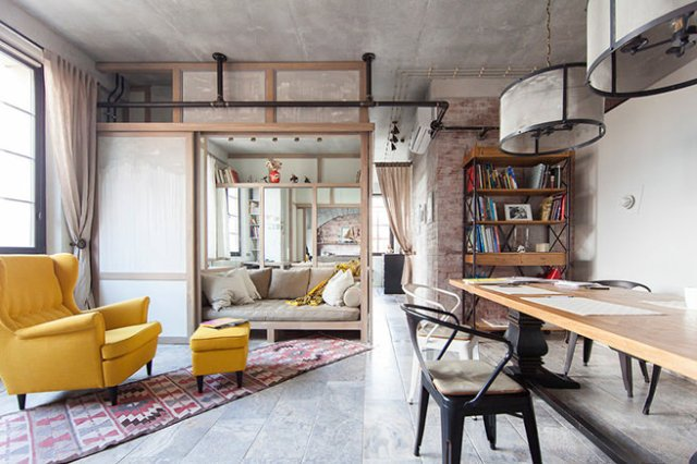 Vintage industrial work-living space