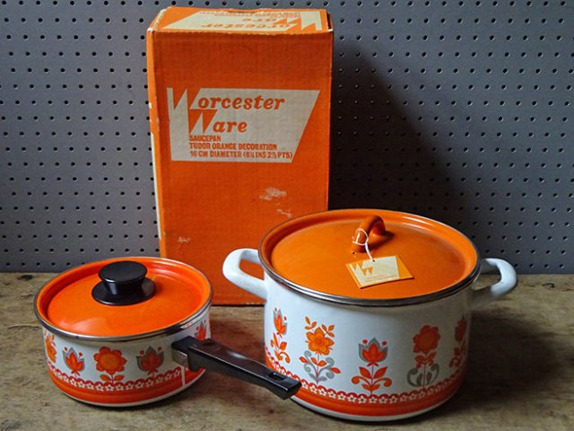 Vintage Worcester Ware Tudor Orange saucepans (boxed, new old stock) | H is for Home