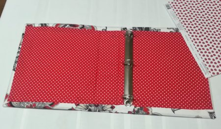 Ever wonder how to make a fabric binder cover? Maybe even customize it to fit your personality? #fabricbindercovers #diy #ideas #howtomake #warbinder #prayerjournal #warroom