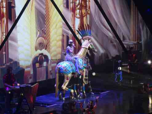 Katy Perry canta Dark Horse