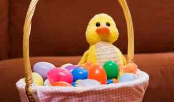 15 ideas para rellenar los huevitos de Pascua
