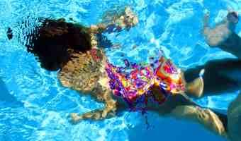 Enseñarle a nadar a nuestros hijos es una necesidad