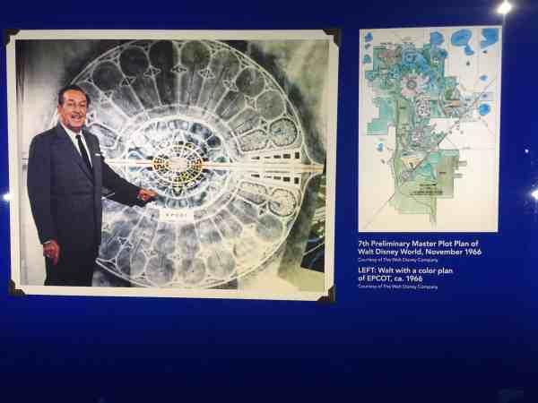 Walt Disney muestra planes de Disneyland