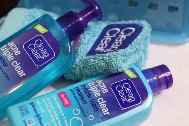 Clean and Clear tiene productos para cuidar la piel y prevenir el acne