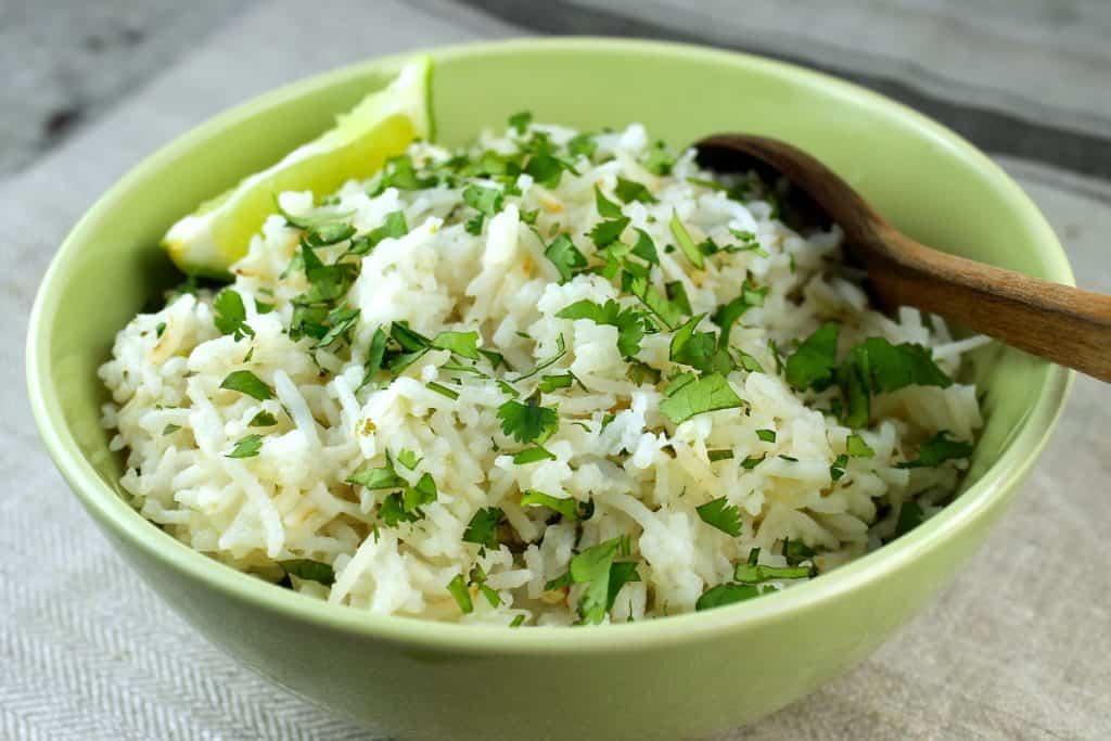 arroz con cilantro y limón, deliciosas recetas para celebrar el Mes de la Hispanidad