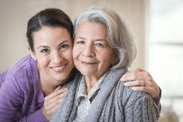 Piden créditos fiscales para quienes cuidan familiares