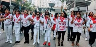 """""""el violador eres tú"""": protestan trabajadoras de limpieza en los Ángeles"""