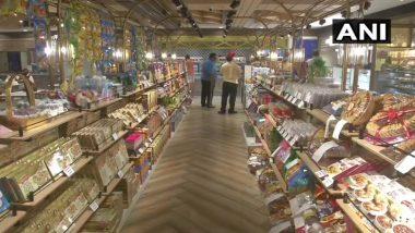 Raksha Bandhan 2020: People seen buying sweets and essential items in Delhi's Karol Bagh for Rakshabandhan, the markets are dull due to Corona crisis
