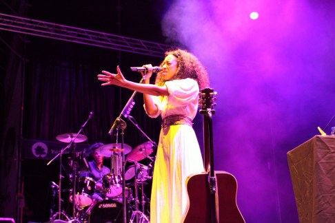 Corinne Bailey Rae 06-07-2018 (by Sara del Canto) (4)