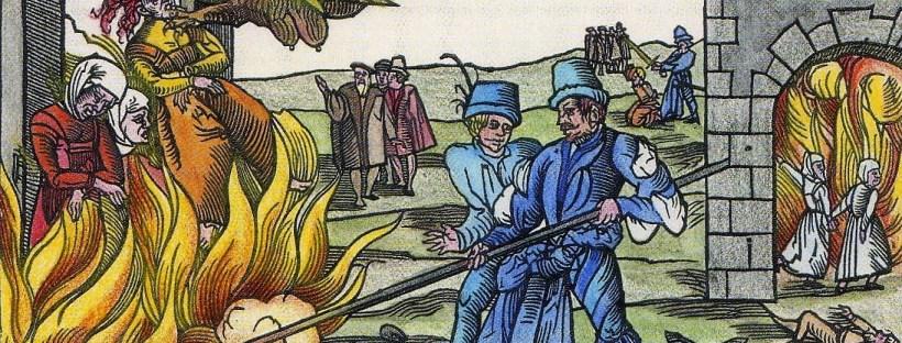 gravure en couleur représentat des femmes accusées de sorcellerie brûlées vives