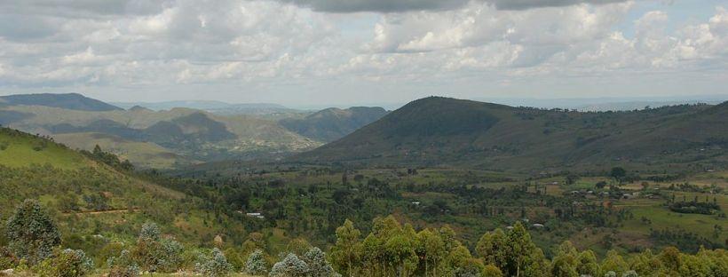 paysage de campagne et de collines au Burundi