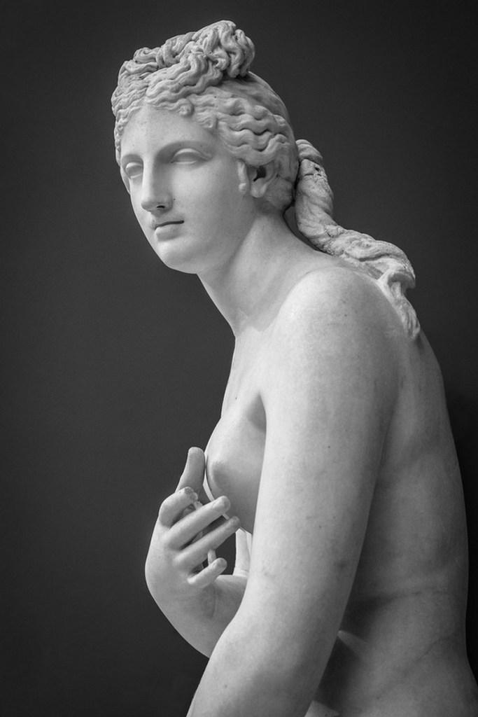 Aphrodite-version-romaine-modele-Cnide