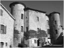 Vue du château depuis la place de la fontaine (2007)