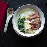 Soupe de nouilles au porc laqué