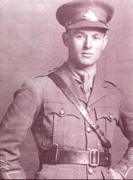 Soldat Arthur-Joseph Lapointe Source: Le Québec: Une histoire de famille  Crédit Archives privées de Jean Lapointe