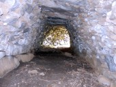 Cabane de la Pellado : 9.50 L x 2.40 l x 1.90 h. Sentier Tour des cabanes.