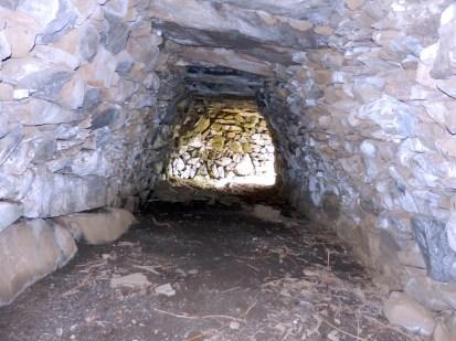 Cabane de la Pelado : 9.50 L x 2.40 l x 1.90 h. Sentier Tour des cabanes.