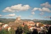 Le château de Le Vivier et ses remparts du VII - VIIIè.