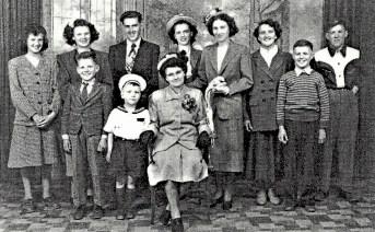 Anita Coulombe Gaulin et ses 10 enfants