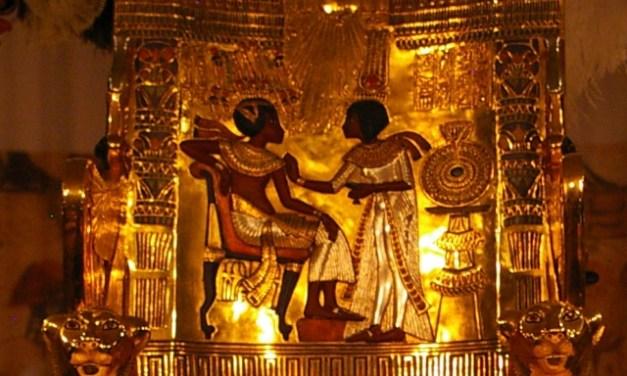 ¿Nefertiti, esposa de Akenatón y madre de Tutankamón?