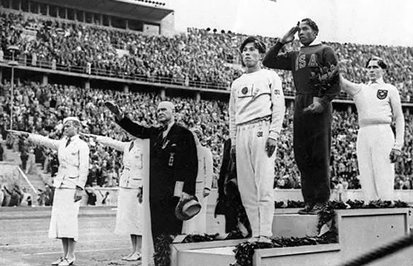 Jesse Owens, el primer hombre que derrotó al nazismo hitleriano