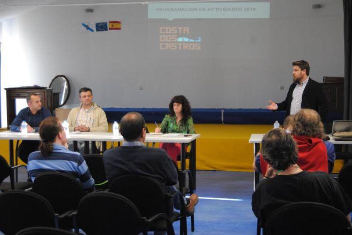 Presentación programa Costa dos Castros 2016 no Centro Cultural de Pedornes