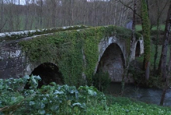 Ponte das Covas, en Baralla, para o que piden a declaración de BIC / Colectivo Patrimonio dos Ancares