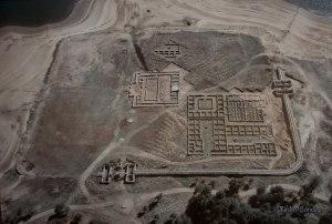 Vista xeral do campamento romano de Aquis Querquennis / Karlos Conde-Panoramio