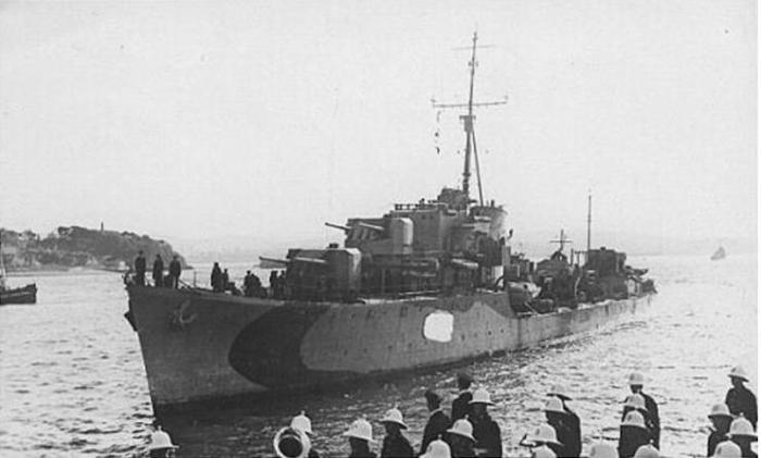O destructor polaco ORP ORKAN G-90, que afundiu varios barcos pesqueiros, tamén sería destruído polos nazis en outubro de 1943