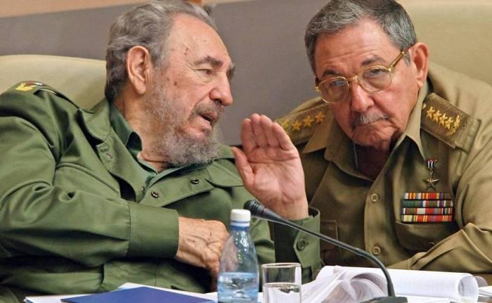 Fidel e Raúl Castro