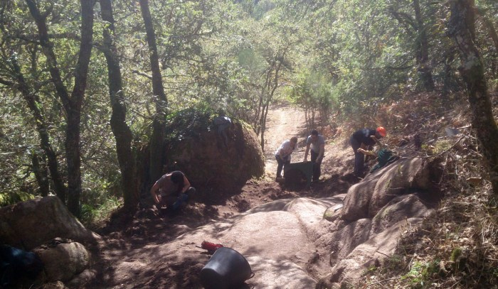 O Grupo de Estudos de Arqueoloxía, Antigüidade e Territorio da Universidade de Vigo traballa no castelo de Mouresiños, en Allariz / Duvi