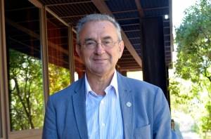 Xosé Manuel Cid, coordinador da obra 100 anos despois de Risco / Duvi