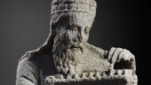 Un historiador atopa novas probas de que as estatuas do Mestre Mateo pasaron ós Franco baixo presión