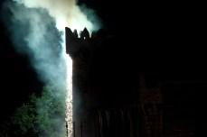 E por fin arden os muros do castelo / foto HdG