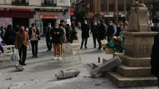 Destrúen un cruceiro en pleno centro de Madrid símbolo do irmandamento con Galicia