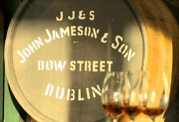 Barril de whisky Jameson