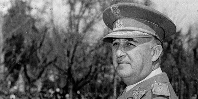 Resultado de imagen para Fotos del general Francisco Franco, llega a Tetuán y se pone al frente del sublevado Ejército español de Marruecos