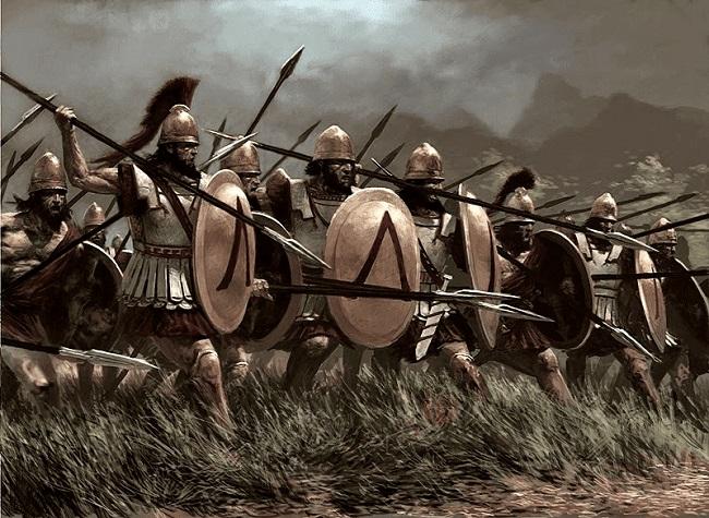 Ilustración de una falange de soldado espartano avanzando (Arrecaballo)