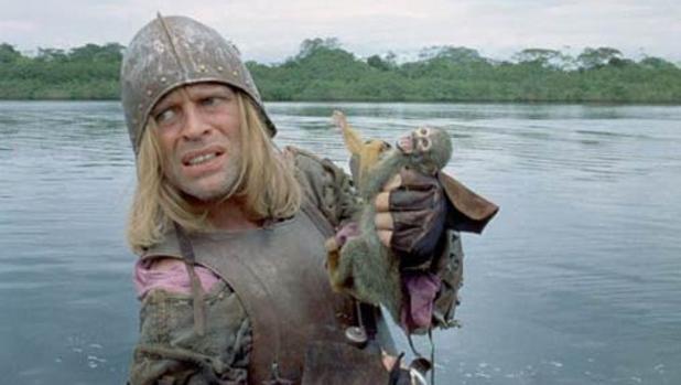 Fotograma de la película mostrando a Klaus Kinski como Lope de Aguirre