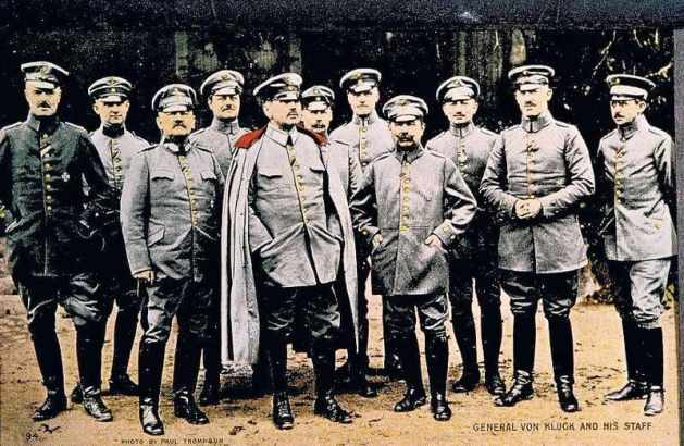 Alexander von Kluck mit dem Stab der Ersten Armee