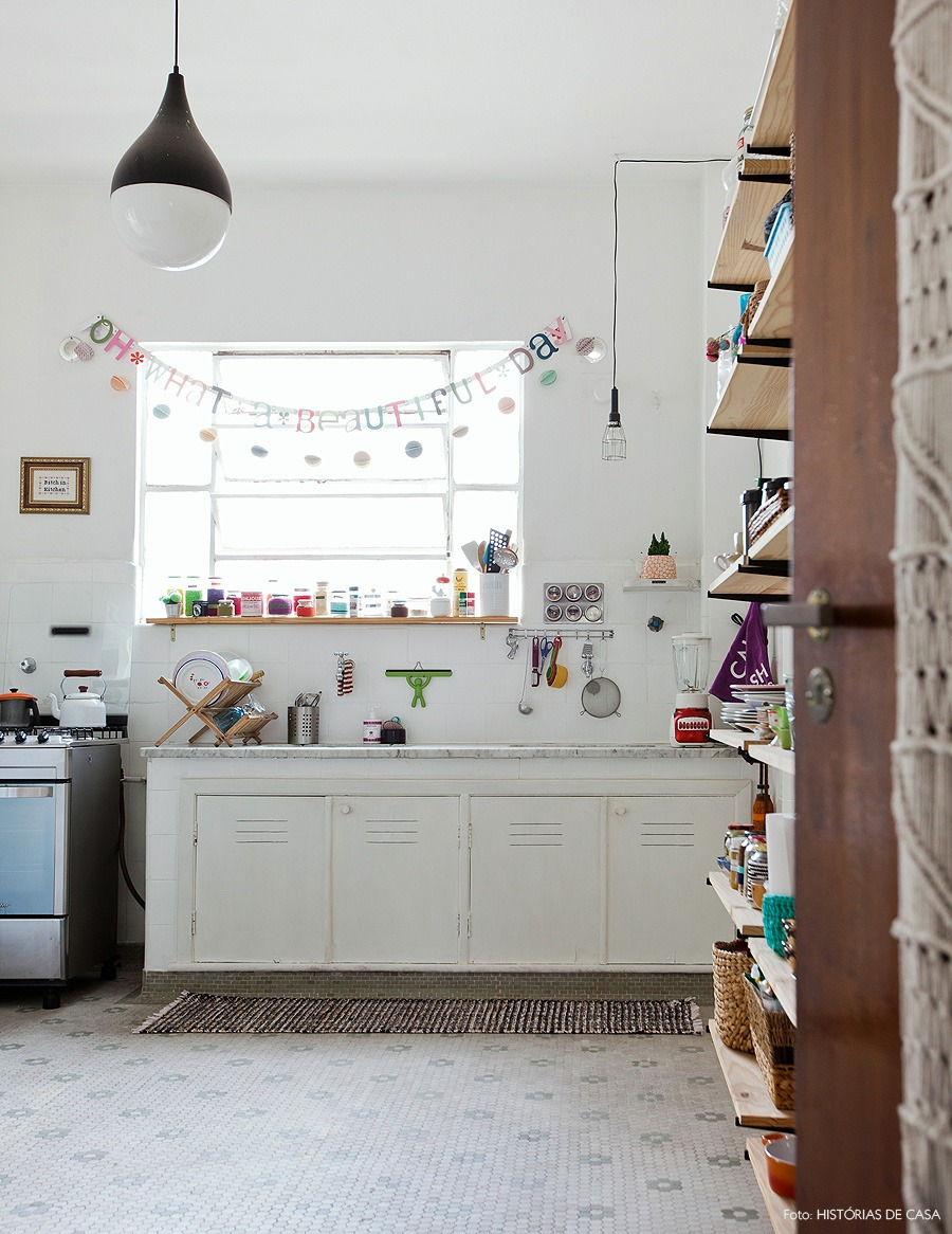 15-decoracao-cozinha-antiga-prateleiras