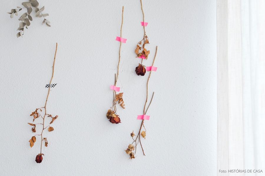 42-decoracao-quarto-flores-secas-parede