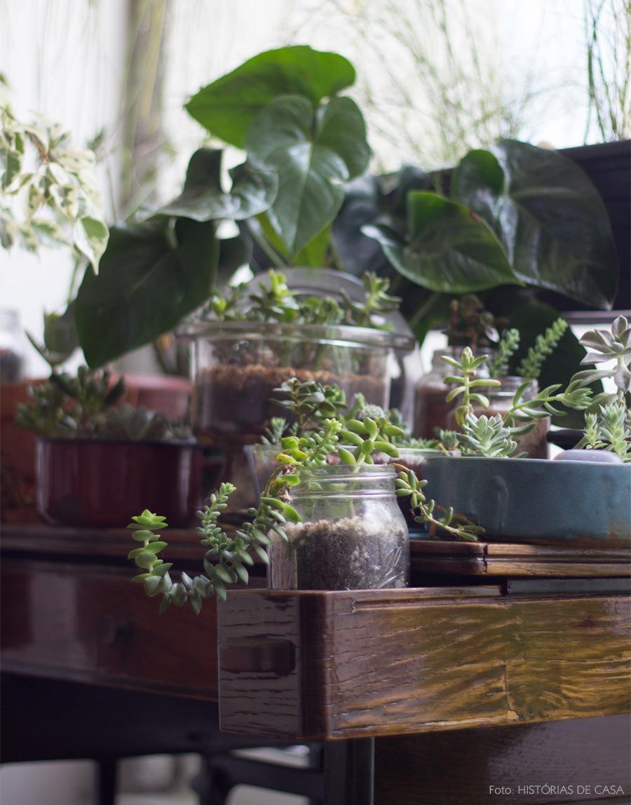 03-decoracao-plantas-potes-vidro-gaveta