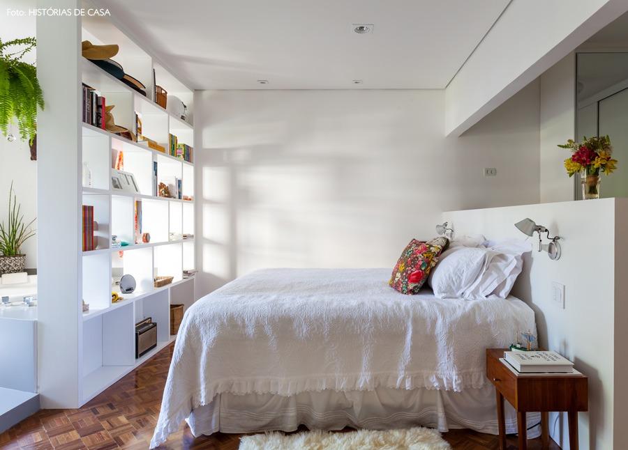 33-decoracao-quarto-estante-integrado