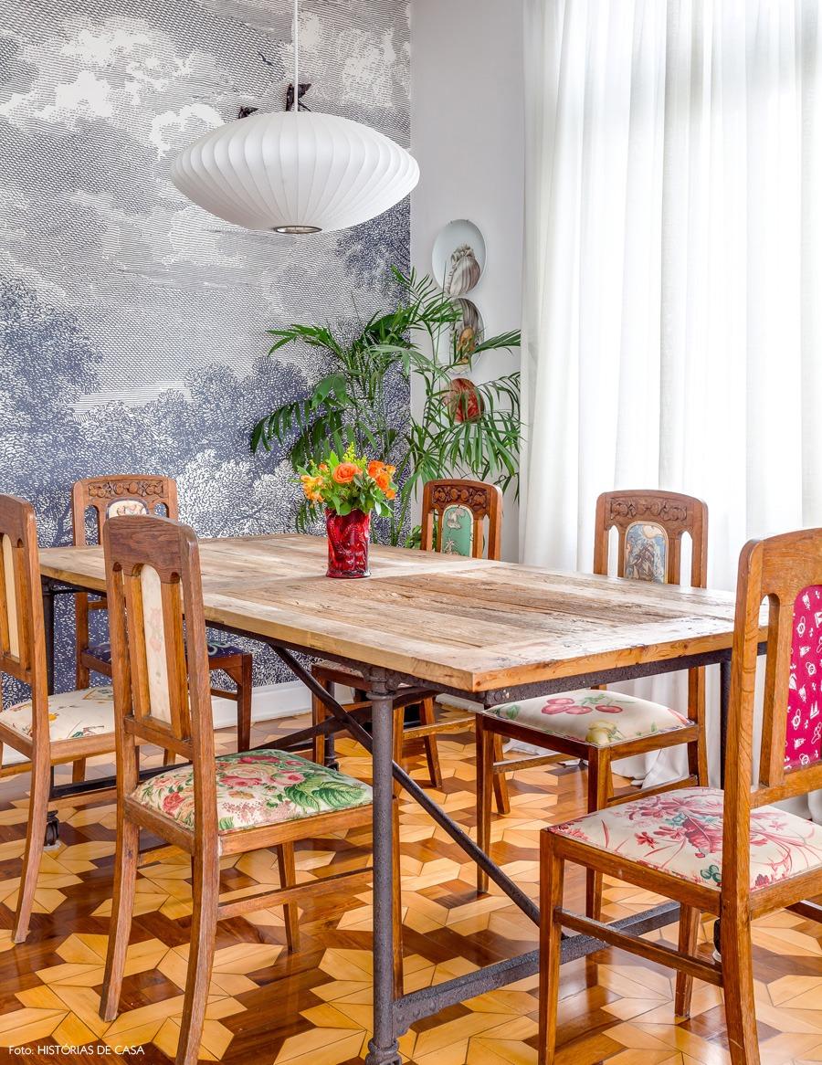 18-decoracao-sala-jantar-mesa-industrial-estampas