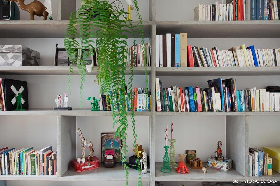 28-decoracao-escritorio-estante-concreto